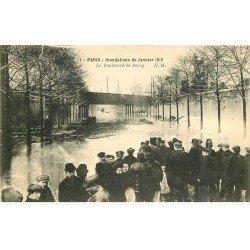 carte postale ancienne INONDATION ET CRUE PARIS 1910. Boulevard de Bercy