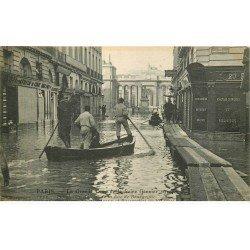 carte postale ancienne INONDATION ET CRUE PARIS 1910. Passerelles rue de Bourgogne