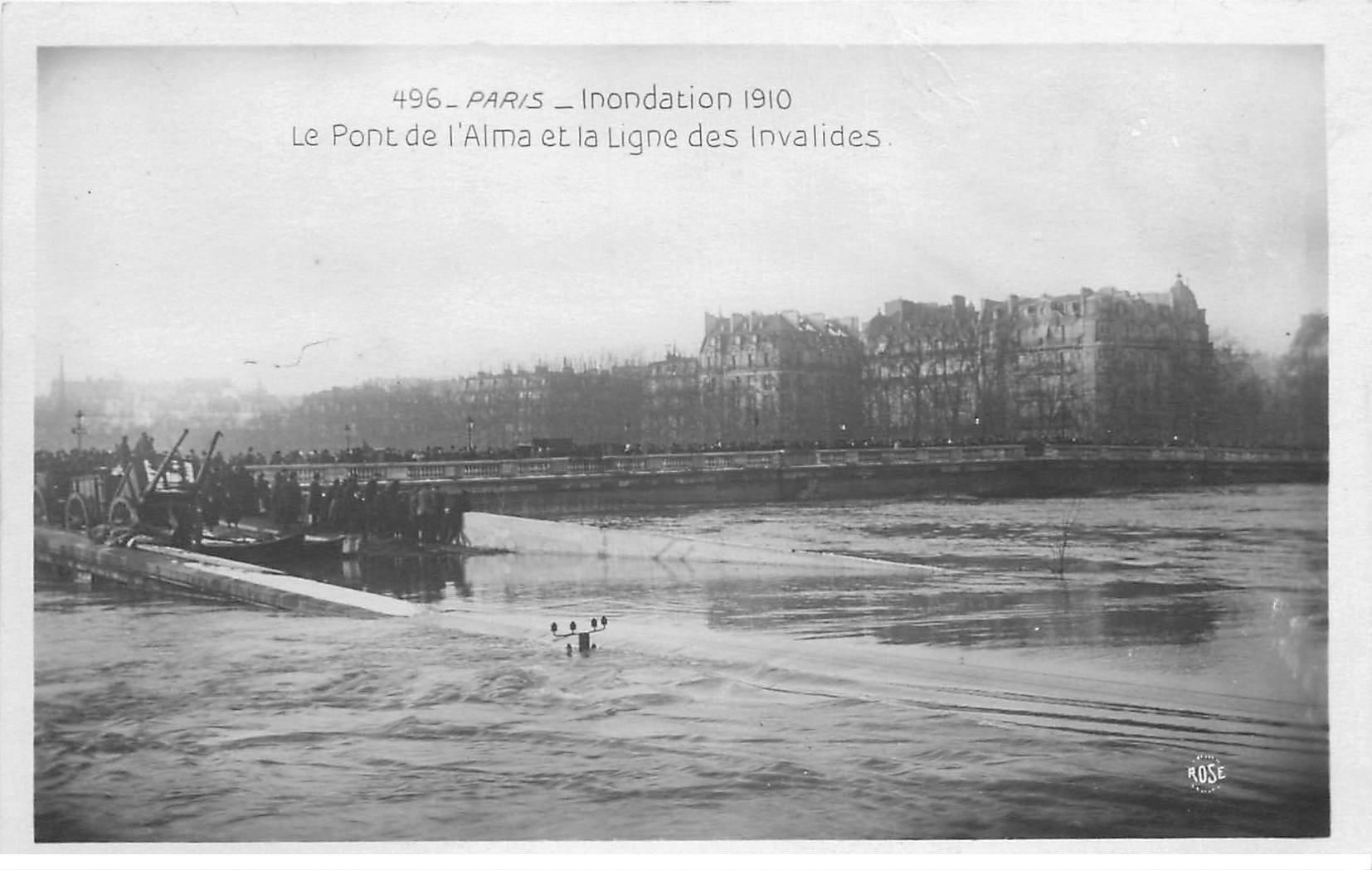 carte postale ancienne INONDATION ET CRUE PARIS 1910. Pont de l'Alma