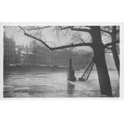 carte postale ancienne INONDATION ET CRUE PARIS 1910. Quai des Orfèvres