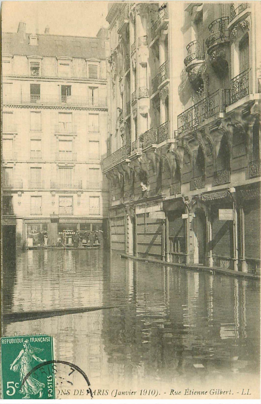 carte postale ancienne INONDATION ET CRUE PARIS 1910. Rue Etienne Gilbert