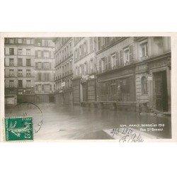 carte postale ancienne INONDATION ET CRUE PARIS 1910. Rue Saint-Benoit