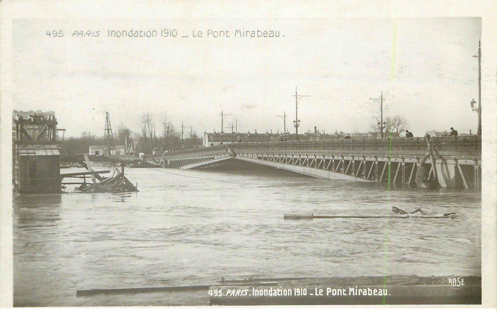 carte postale ancienne INONDATION ET CRUE PARIS 1910. Pont Mirabeau 495