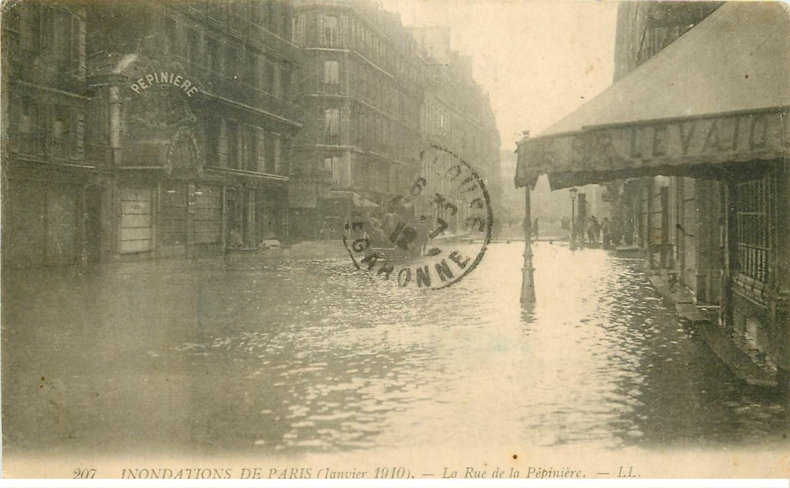 carte postale ancienne INONDATION ET CRUE PARIS 1910. Rue de la Pépinère 207