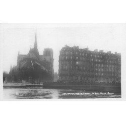 carte postale ancienne INONDATION ET CRUE PARIS 1910. Pont Notre-Dame