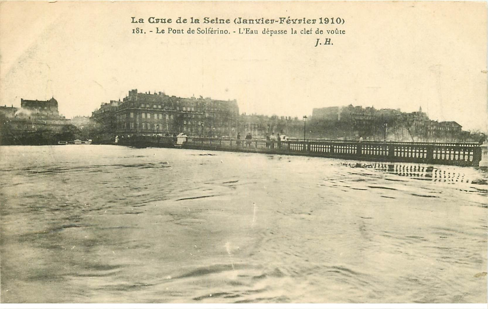 carte postale ancienne INONDATION ET CRUE PARIS 1910. Pont Solférino