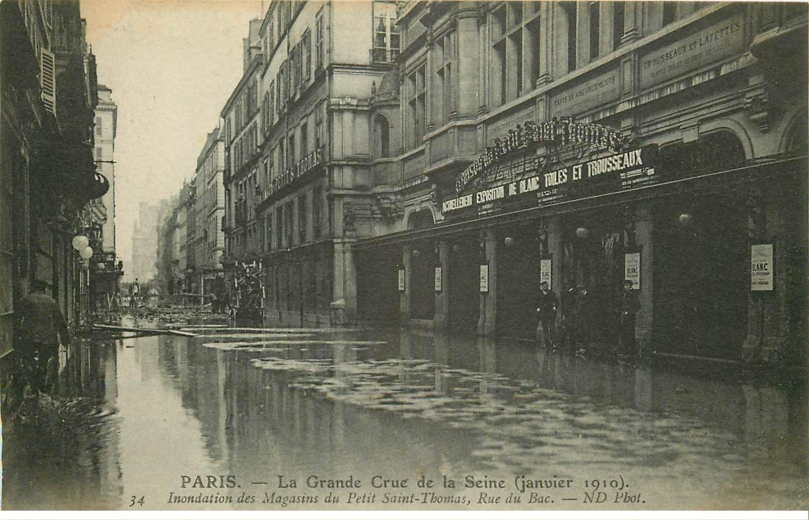 INONDATION ET CRUE PARIS 1910. Rue du Bac Magasins du Petit Saint-Thomas