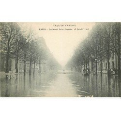 INONDATION ET CRUE PARIS 1910. Boulevard Saint-Germain (petit grattage)
