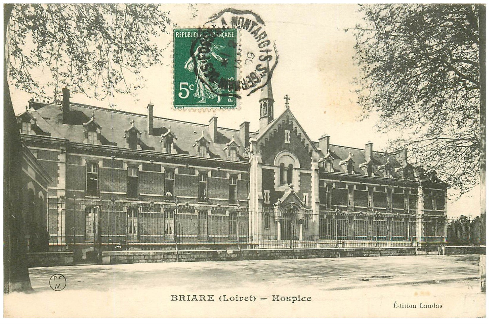 carte postale ancienne 45 BRIARE. Hospice 1909