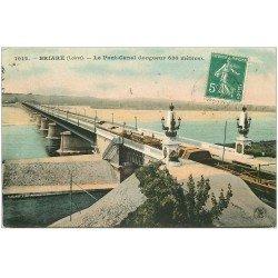 carte postale ancienne 45 BRIARE. Pont Canal avec Péniches dessus 1909