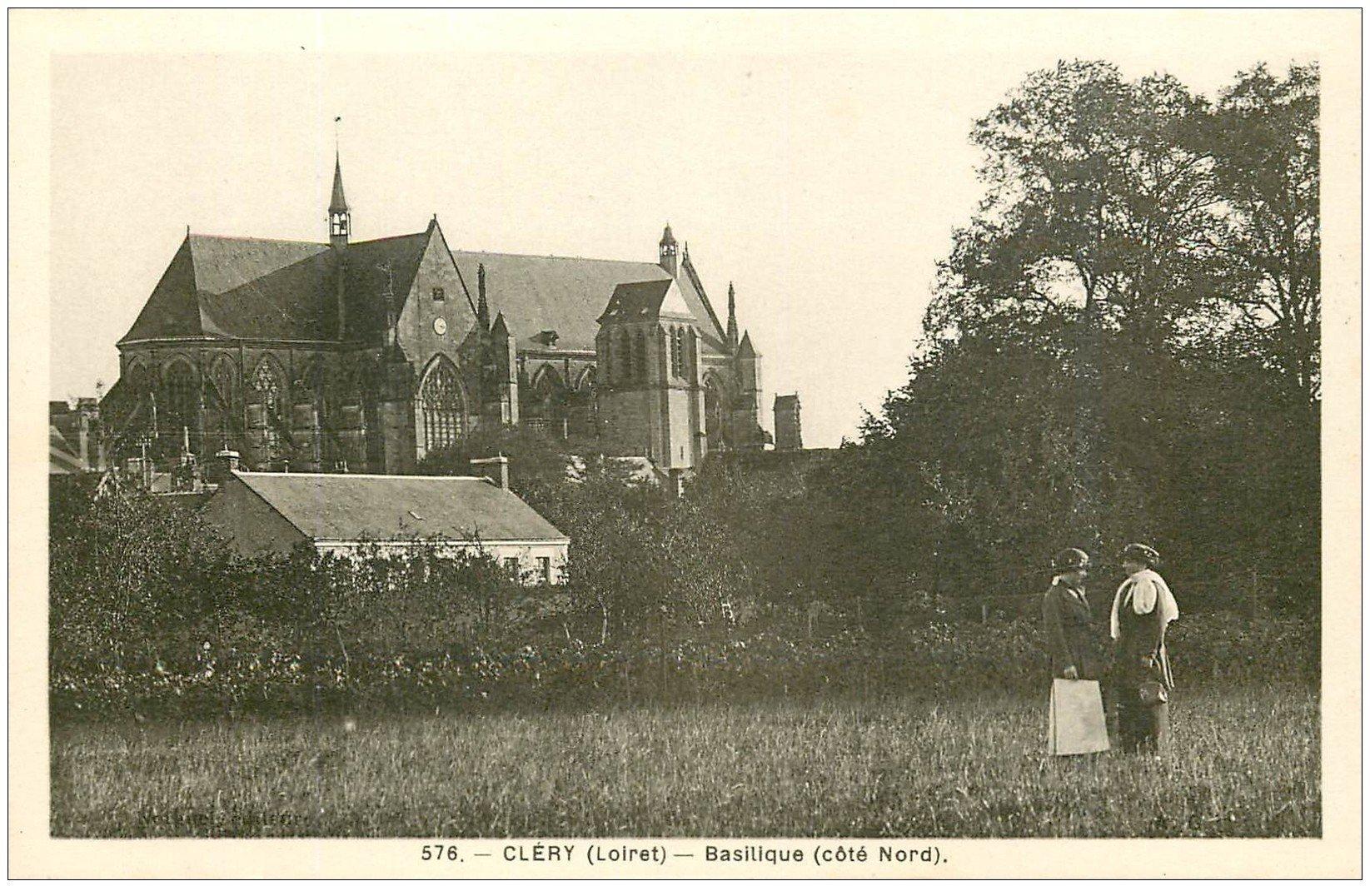 carte postale ancienne 45 CLERY. Basilique et Femmes