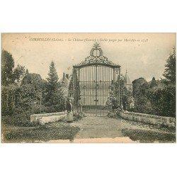 carte postale ancienne 45 CORBEILLES. Grille du Château avec Jardinier et Enfants 1924