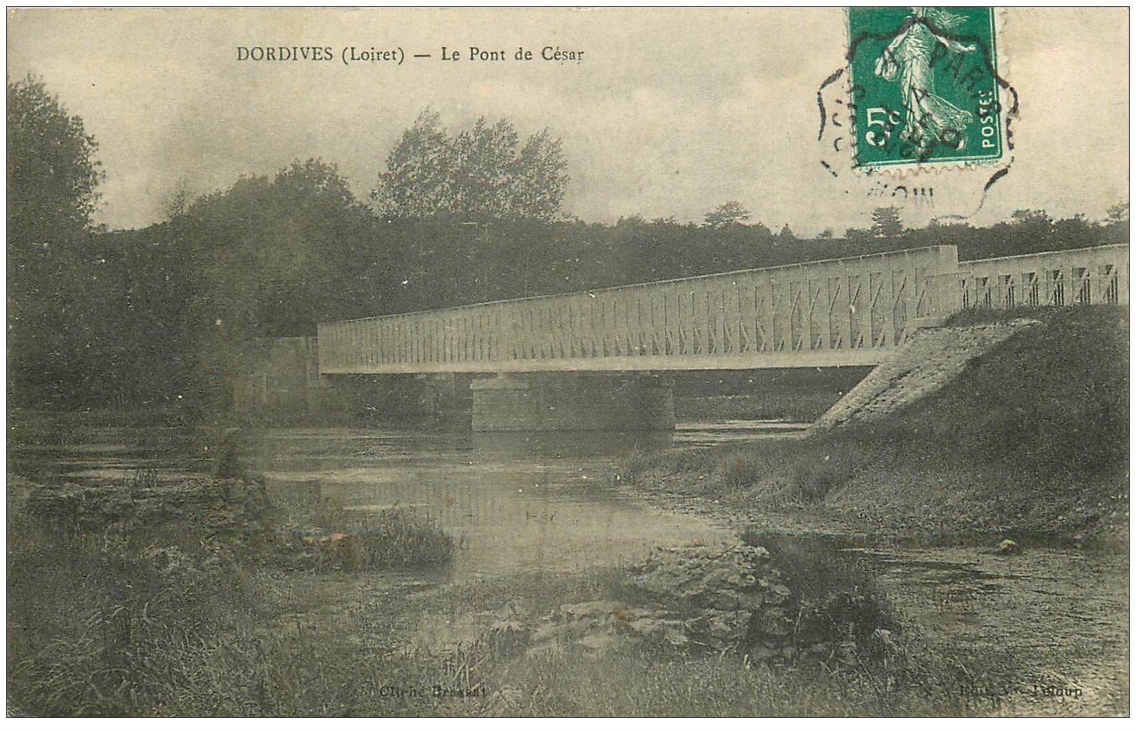 carte postale ancienne 45 DORDIVES. Le Pont de César 1910