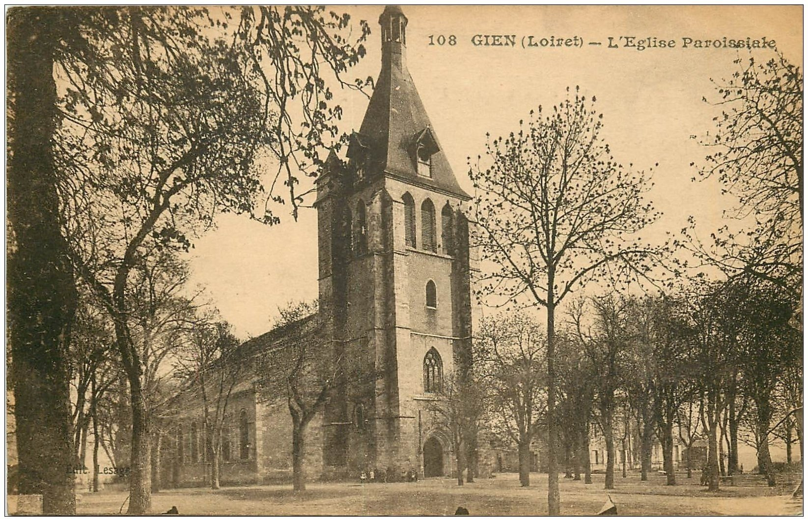 carte postale ancienne 45 GIEN. Eglise Paroissiale