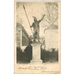 carte postale ancienne 45 GIEN. Statue de Vercingétorix 1903