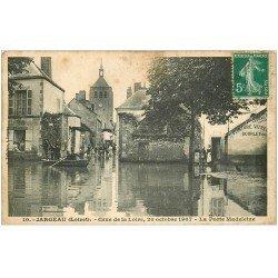 carte postale ancienne 45 JARGEAU. Porte Madeleine Crue de la Loire en 1907