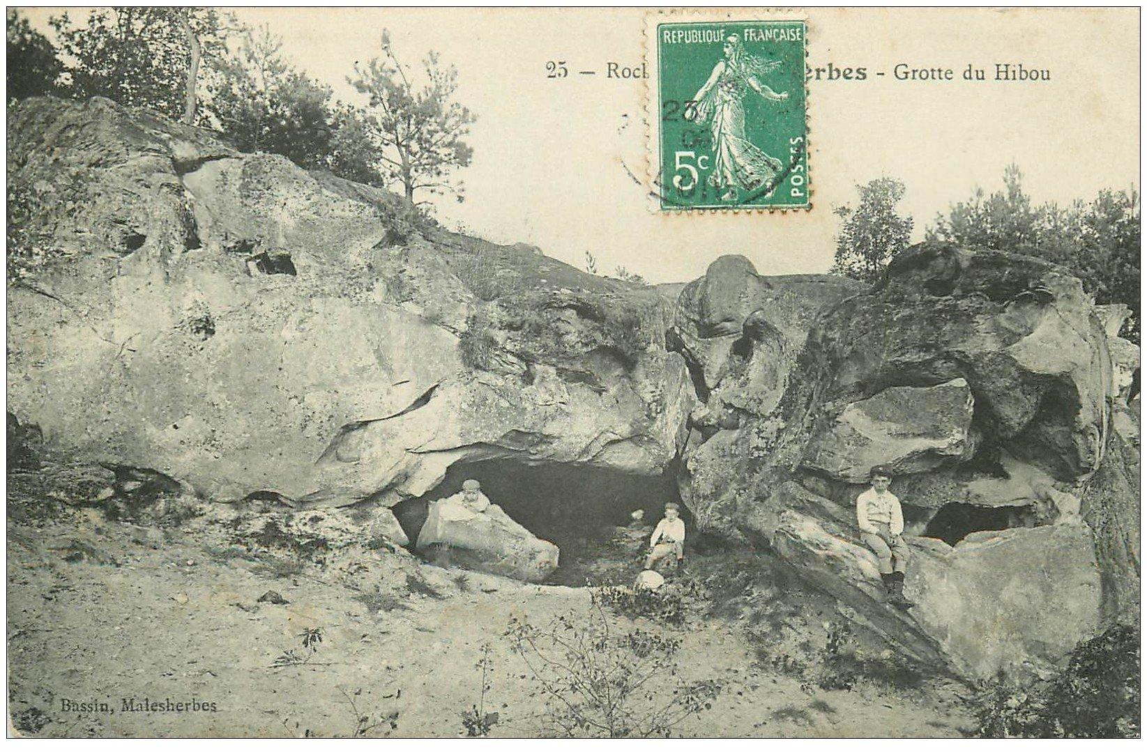 carte postale ancienne 45 MALESHERBES. Grotte du Hibou 1909