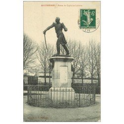 carte postale ancienne 45 MALESHERBES. Statue Capitaine Lelièvre 1909
