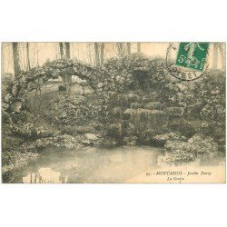 carte postale ancienne 45 MONTARGIS. La Grotte Jardin Durzy 1911