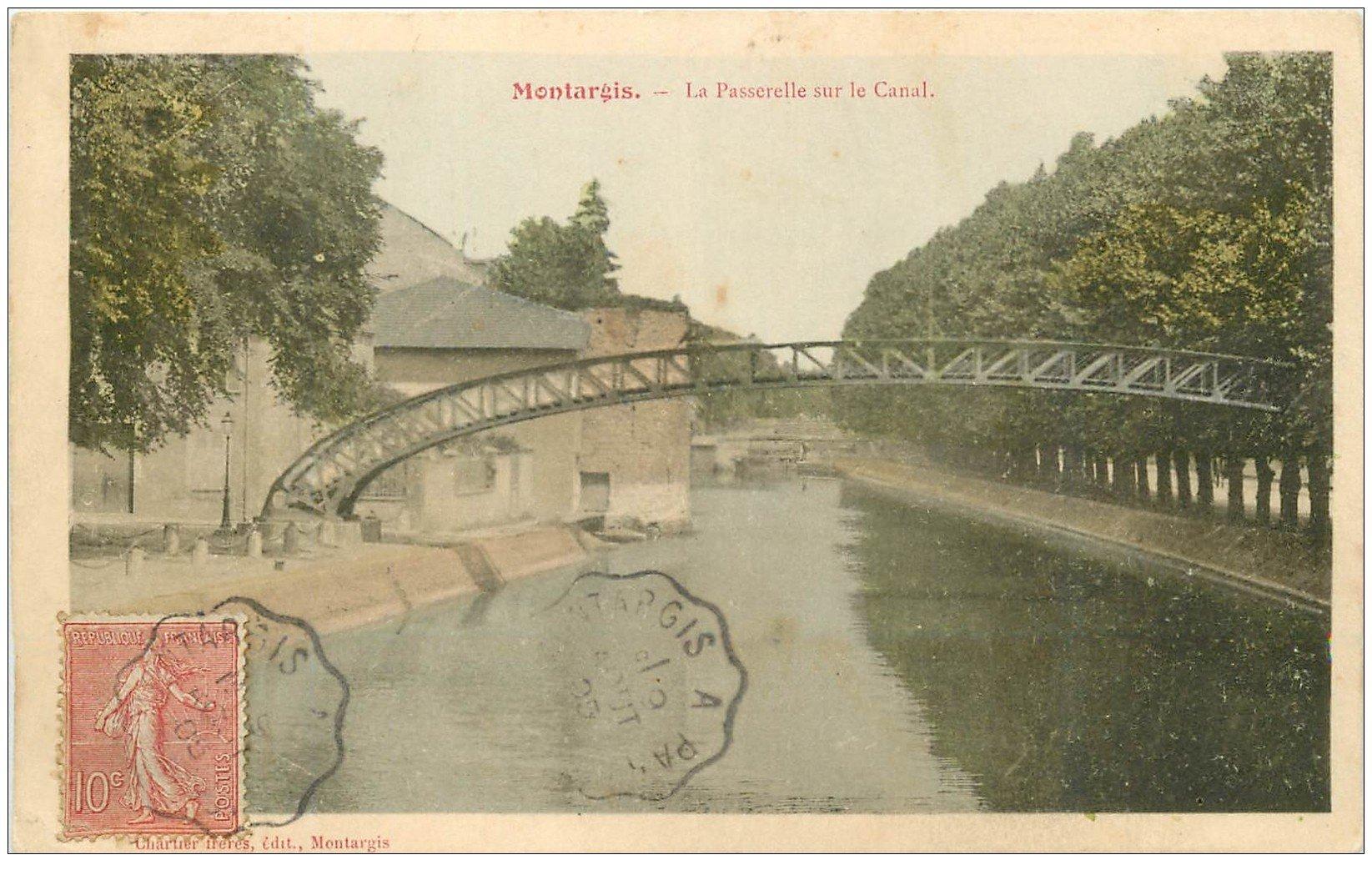 carte postale ancienne 45 MONTARGIS. La Passerelle sur Canal 1905