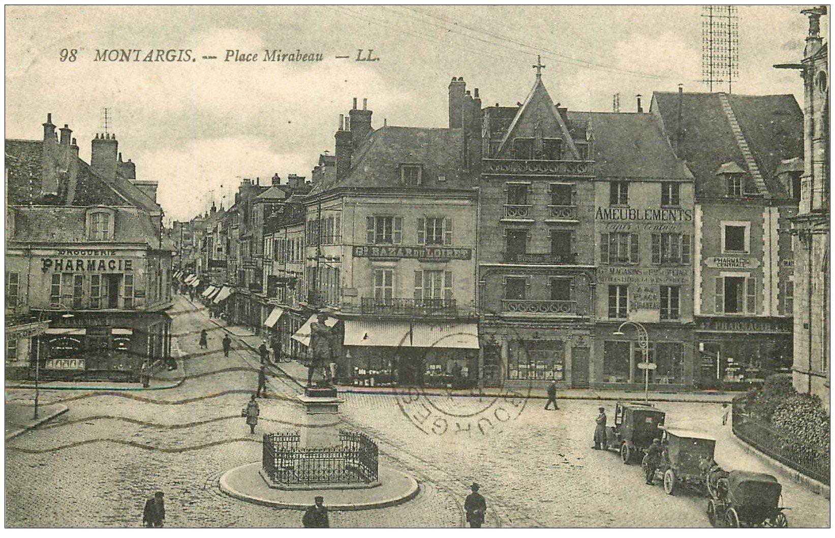 carte postale ancienne 45 MONTARGIS. Place Mirabeau 1924 Voitures Taxi et Fiacre