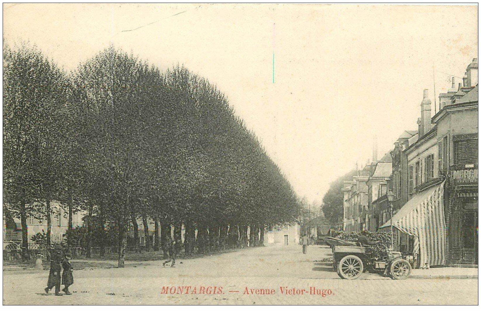 carte postale ancienne 45 MONTARGIS. Tacot Avenue Victor-Hugo