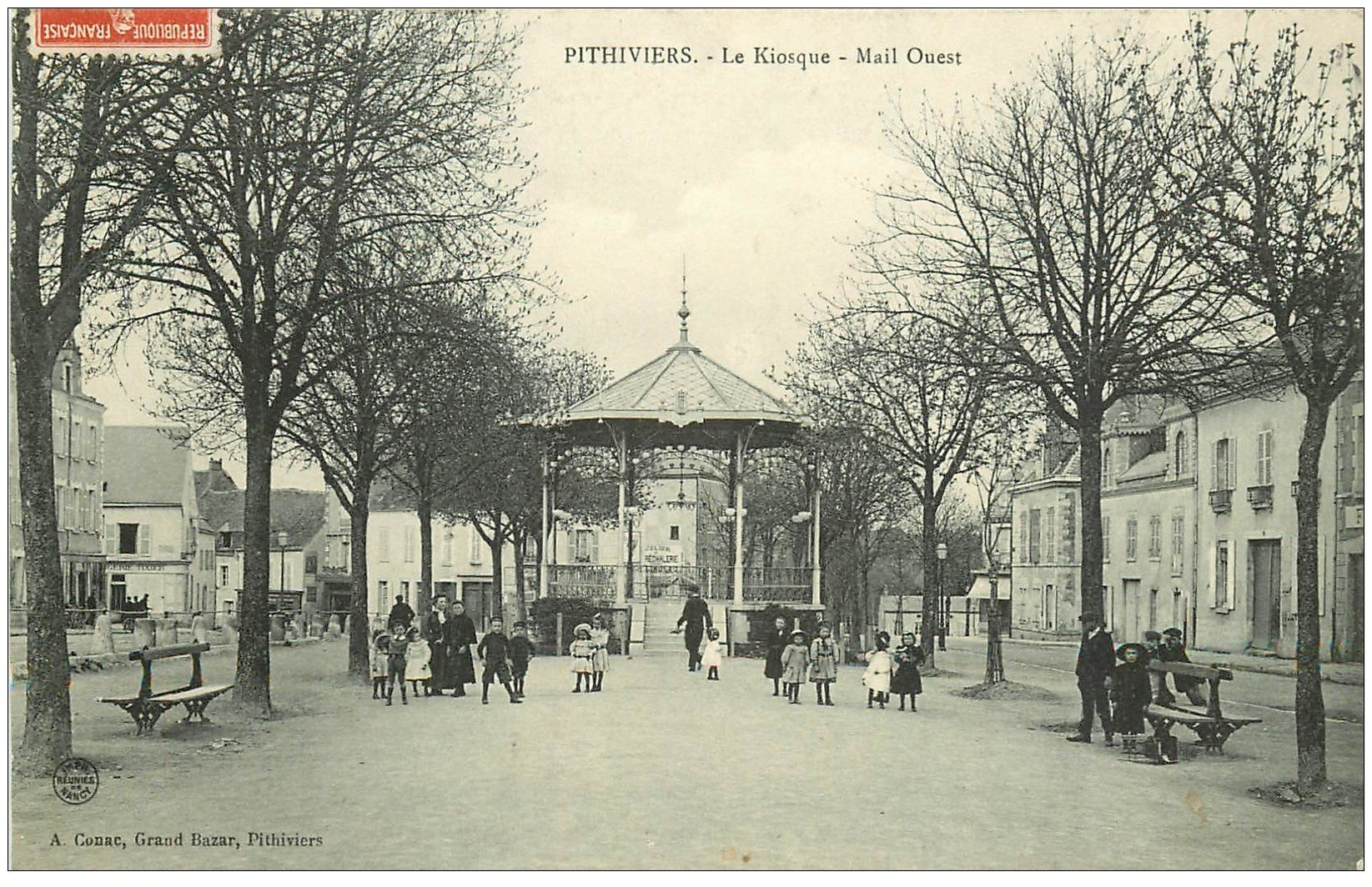 carte postale ancienne 45 PITHIVIERS. Le Kiosque Mail Ouest