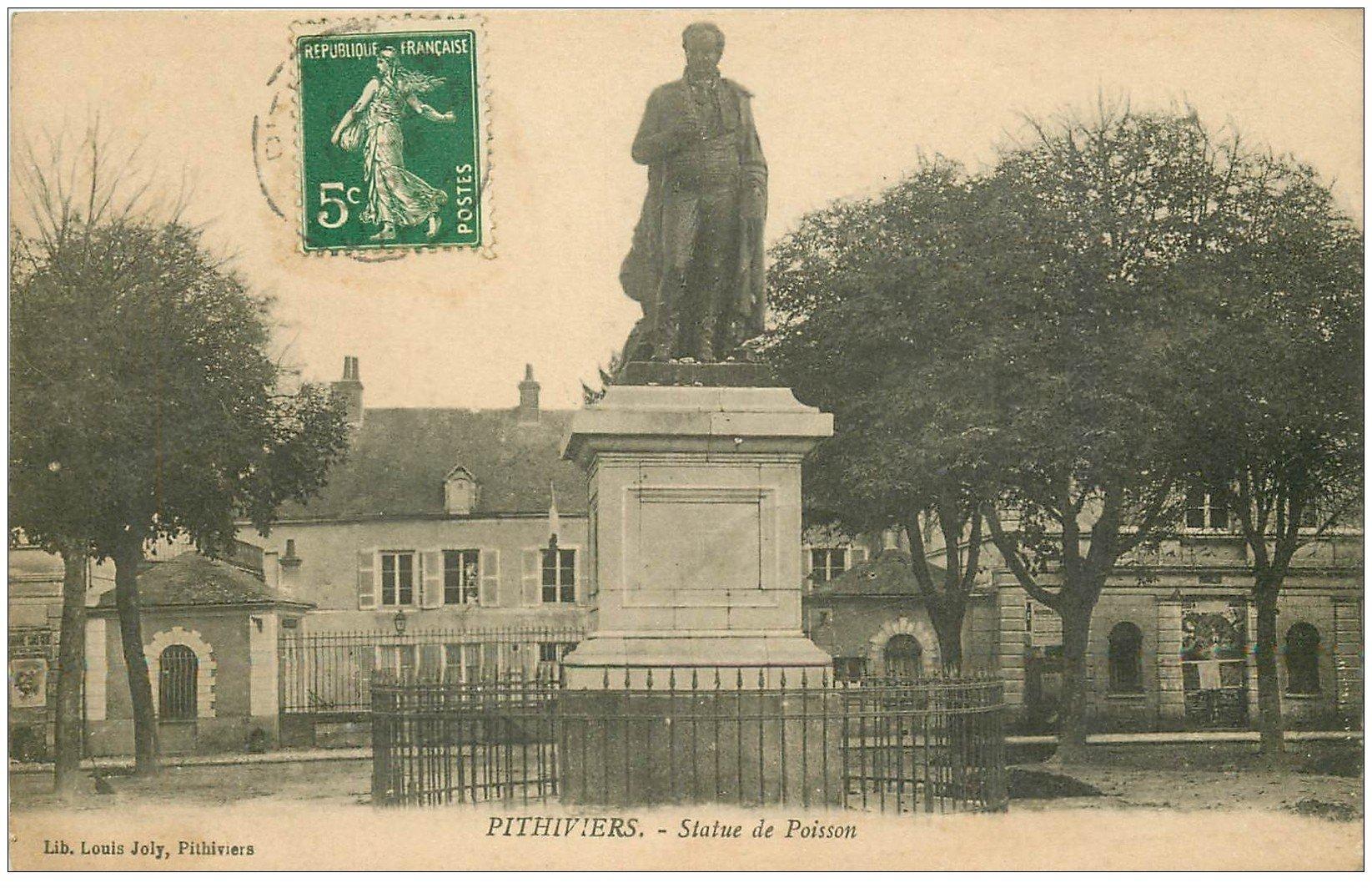 carte postale ancienne 45 PITHIVIERS. Statue de Poisson 1915