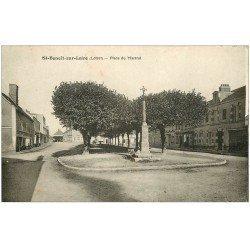 carte postale ancienne 45 SAINT-BENOIT-SUR-LOIRE. Place du Martroi