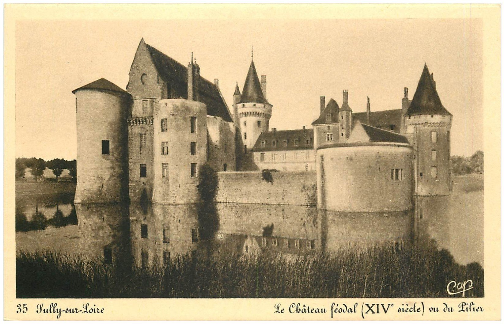 carte postale ancienne 45 SULLY-SUR-LOIRE. Château vu du Pilier n°35