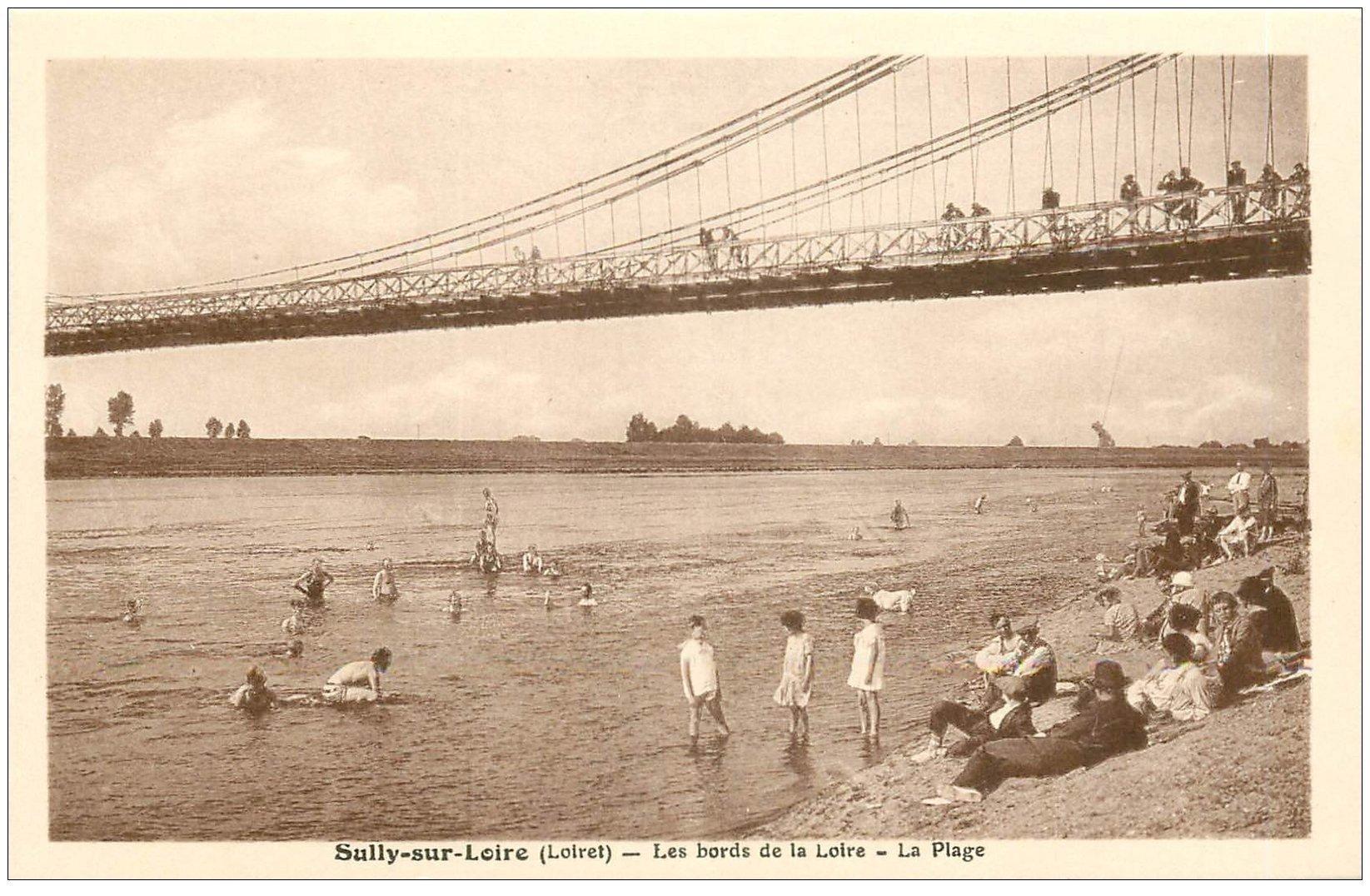 carte postale ancienne 45 SULLY-SUR-LOIRE. La Plage animée et Pont
