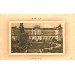 carte postale ancienne 45 MONTARGIS. Hôtel de Ville 1918. Pli coin gauche