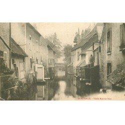 carte postale ancienne 45 MONTARGIS. Vieille Rue sur l'eau. Mini pli coin et timbre manquant