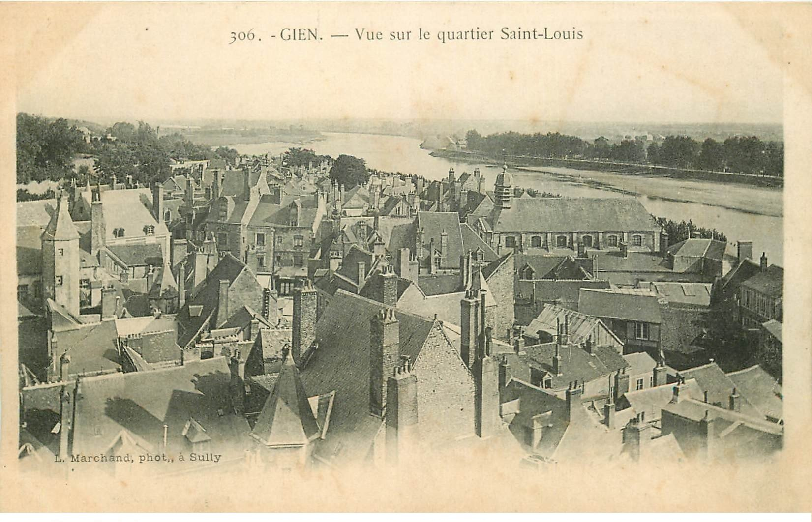 carte postale ancienne 45 GIEN. Vue Quartier Saint-Louis