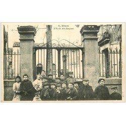 carte postale ancienne 11 BRAM. Ecole des Garçons 1908