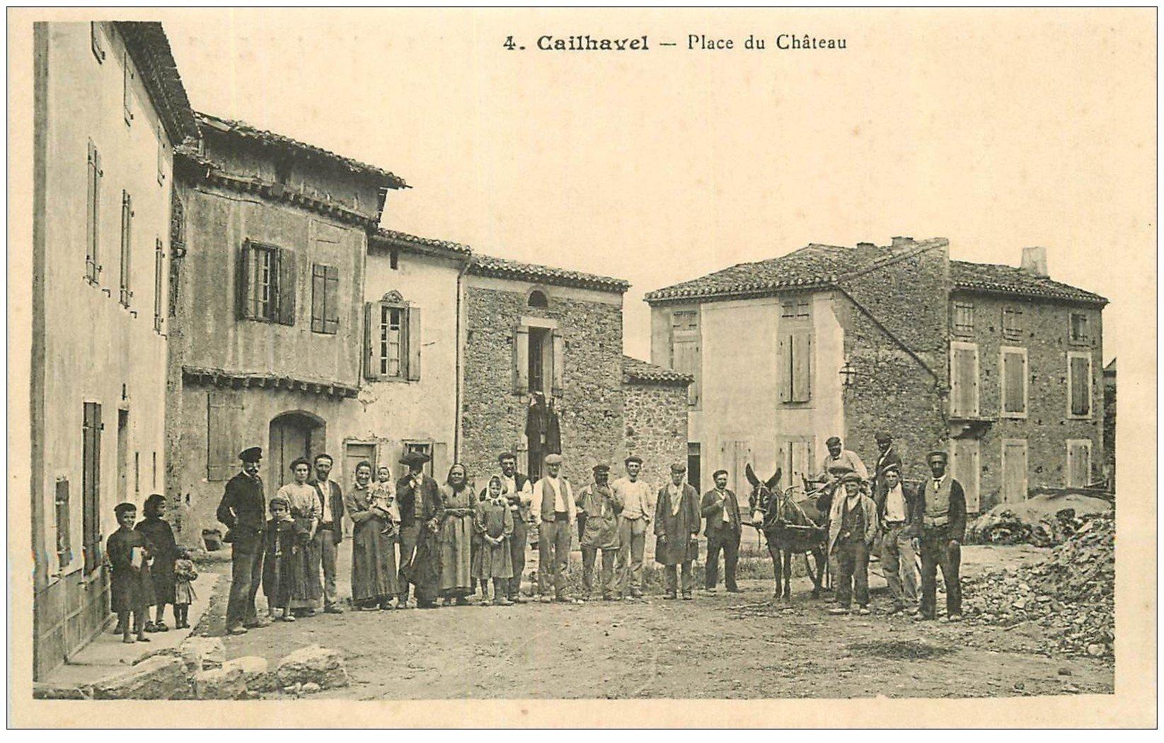 carte postale ancienne 11 CAILHAVEL. Place du Château. Carte notice