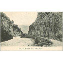 carte postale ancienne 64 ACCOUS. Ouvriers Gorges et Pont d'Esquit 1946
