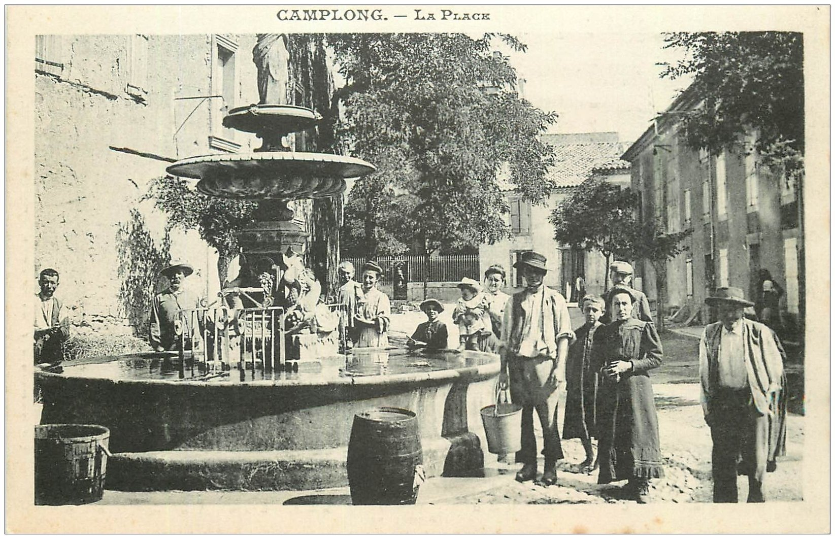 carte postale ancienne 11 CAMPLONG. La Place. Carte notice