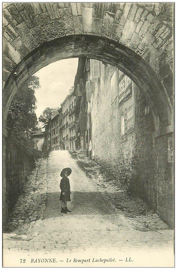 carte postale ancienne 64 BAYONNE. Le Rempart Lachepailet
