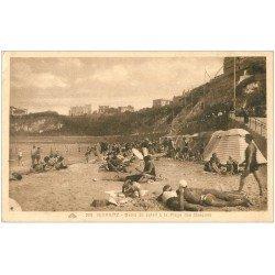 carte postale ancienne 64 BIARRITZ. Bains de soleil Plage des Basques
