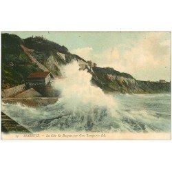 carte postale ancienne 64 BIARRITZ. Côte des Basque par Gros Temps 1907