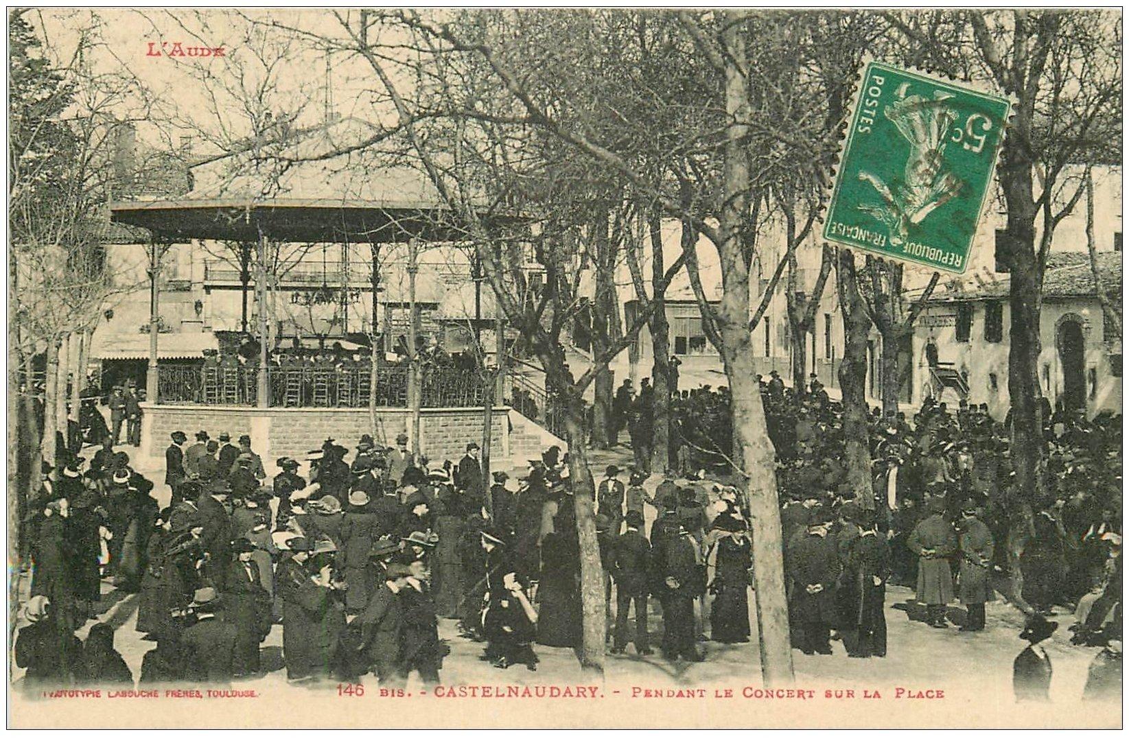 carte postale ancienne 11 CASTELNAUDARY. Concert sur la Place 1916