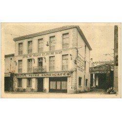 carte postale ancienne 11 CASTELNAUDARY. Hôtel de France et Notre-Dame rue Mistral
