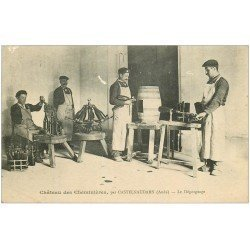 carte postale ancienne 11 CASTELNAUDARY. Le Dégorgeage des bouteilles. Château des Cheminières. Vieux métiers