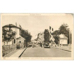carte postale ancienne 64 HENDAYE. Douane Pont International 1939. Douaniers