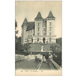 carte postale ancienne 64 PAU. Le Château et Nurse avec ancienne poussette