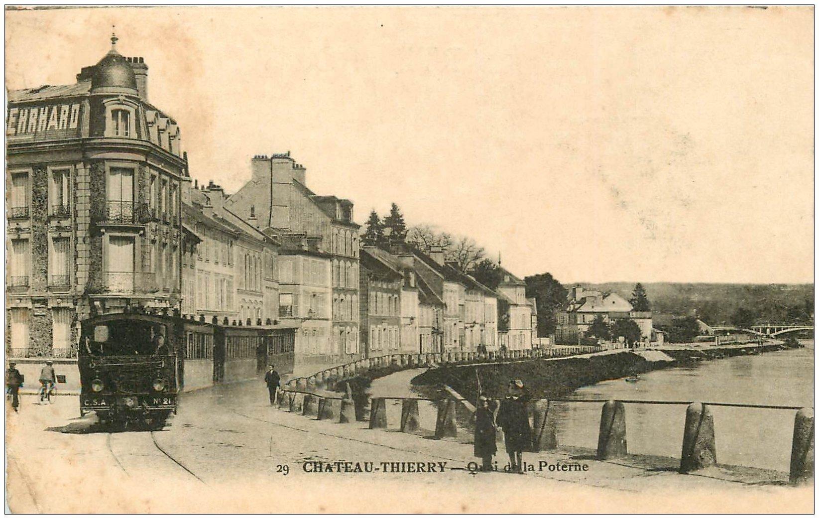 carte postale ancienne 02 CHATEAU-THIERRY. Train Tramway Quai de la Poterne 13.7 x 8.7 cm..