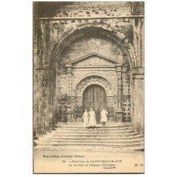 carte postale ancienne 64 SAINT-JEAN-DE-LUZ. Animation Portail Eglise d'Urrugne