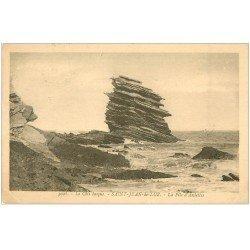 carte postale ancienne 64 SAINT-JEAN-DE-LUZ. La Pile d'Assiettes 1928