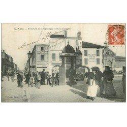 carte postale ancienne 47 AGEN. Boulevard de la République Place du Marché. Vespasiennes 1908